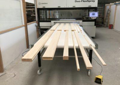 Holzfassden Lackierung mit Ceetec Flächenspritzautomat