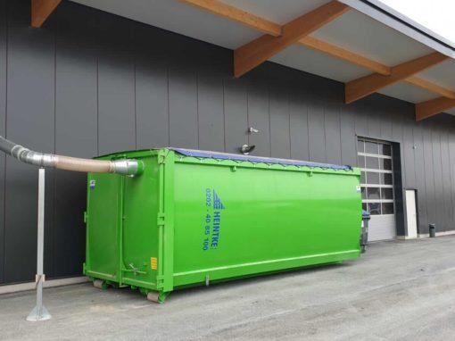 Späneaustragung in Container 200mm hinter Riedex Absauganlage